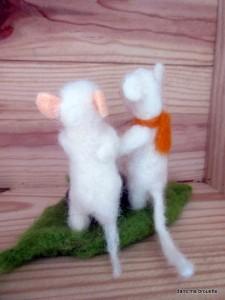 les petites souris de dos